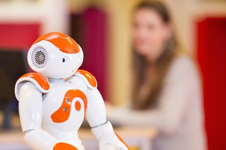 Can Smart Machines Substitute Field Service Workers?